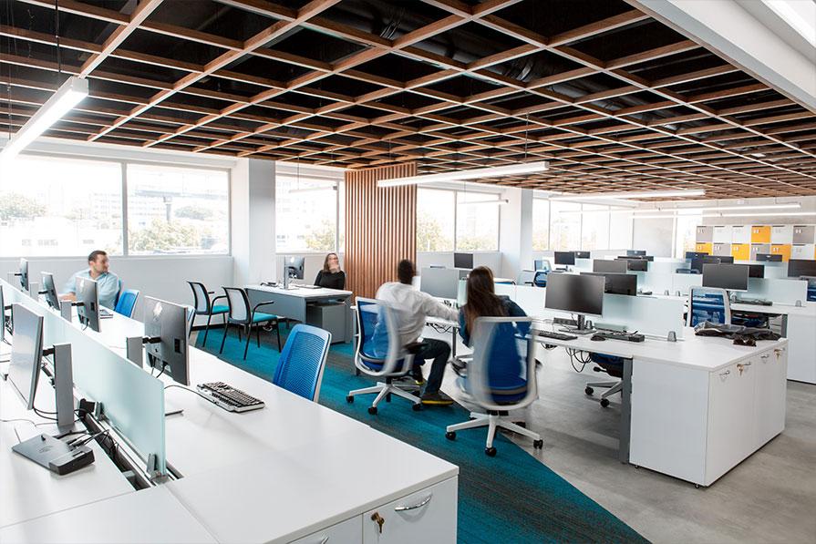 Vuelta a los espacios de trabajo corporativos